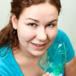 Frau-mit-Inhalator