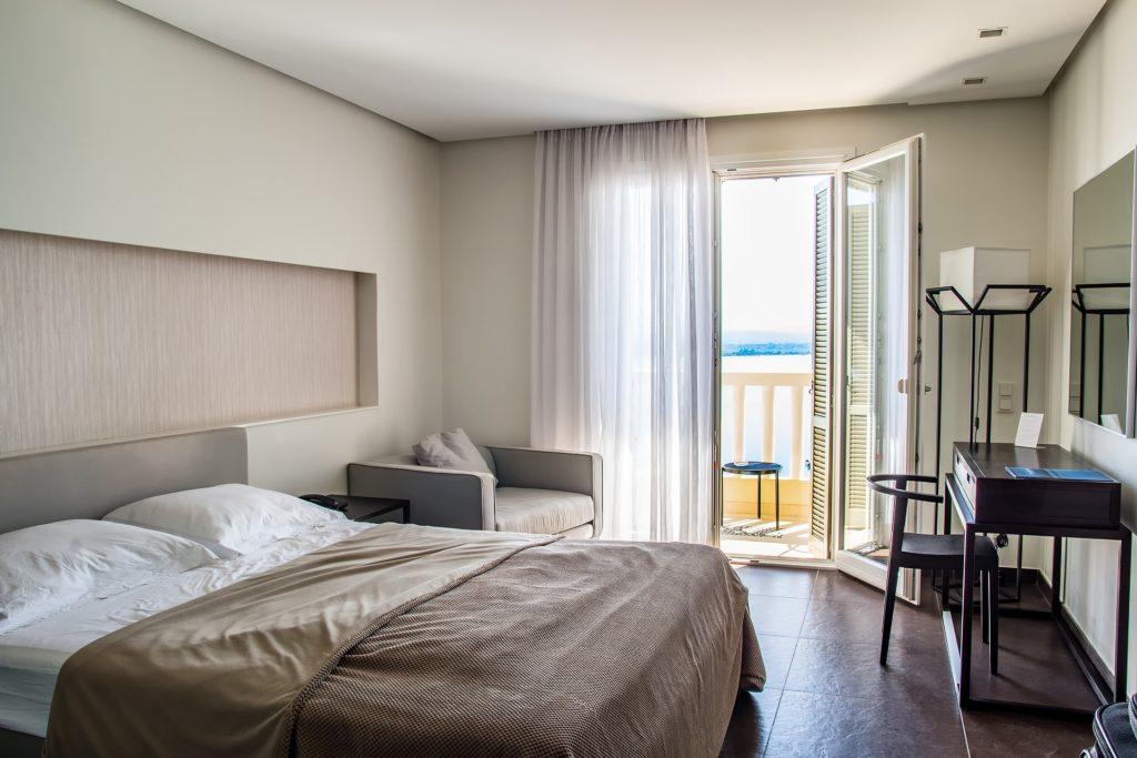 Abbildung 2 : Dem Sauerstoffaustausch kommt im Schlafzimmer eine große Bedeutung zu - sowohl um einen Erkältungsinfekt zu verhindern, als auch um diesen schnell wieder auszukurieren.